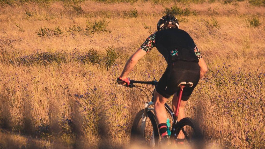 Hiauspor Mens Cycling Shorts Baggy Padded Biking Shorts Breathable Quick Dry Bicycle Riding MTB Shorts