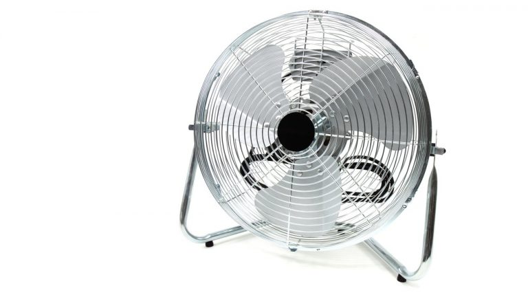 Best Camping Fans 2021: Reviews & Buyer's Guide